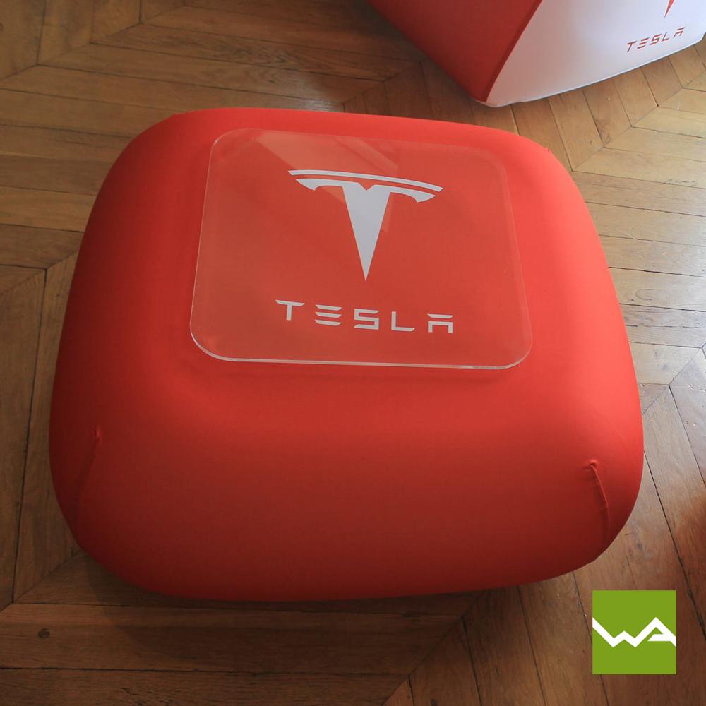 Aufblasbarer Sessel-Tisch-Sofa – FUGU – Tesla 6 - Die Werbearchitekten
