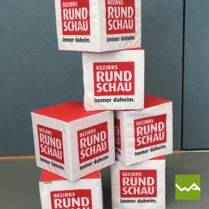 Sitzwürfel bedruckt – Bezirksrundschau